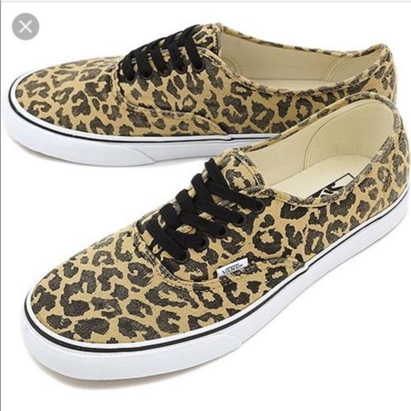 7b9f58431aa2a4 Authentic Van Doren Leopard Vans. M 5c39022cbaebf6ff2f548063